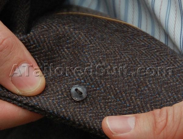Sport_Jacket_Back_Button